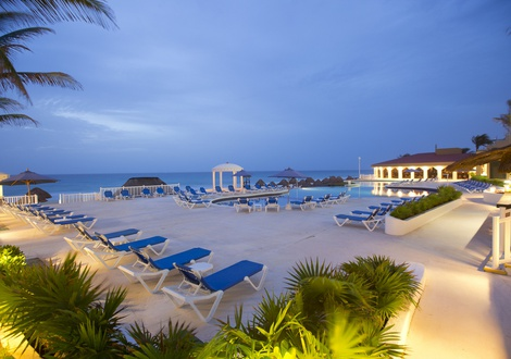 Golden Parnassus All Inclusive Resort & Spa - Piscina Hotel Golden Parnassus All Inclusive Resort & Spa Cancún